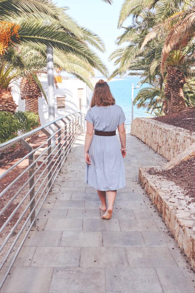 Deutscher Fotograf Chris Klein macht Freundinnen Fotos auf Fuerteventura in Morro Jable in David Hamilton Blur barfuss twink gay