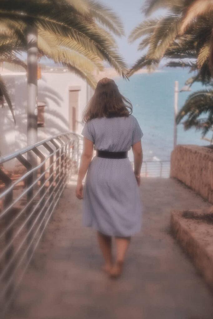 Beim Fotoshooting auf Fuerteventura fotografiert Fotograf Chris Klein Fotos von Freundinnen in Morro Jable in David Hamilton Blur barfuss twink gay